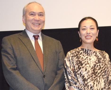 映画『私はあなたのニグロではない』のトークイベントを行ったモーリー・ロバートソン氏、池田有希子 (C)ORICON NewS inc.