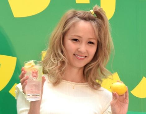 サムネイル レモンサワーは「事務所公式ドリンク」と明かすDream Ami (C)ORICON NewS inc.