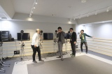 「沖縄ラフ&ピース専門学校」のレコーディングルーム