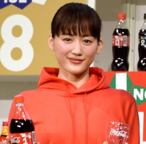 『ウチのコークは世界一「コカ・コーラ」FIFA ワールドカップキャンペーン』のPRイベントに出席した綾瀬はるか (C)ORICON NewS inc.