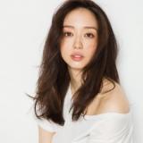 『アーモンド効果』の新CMに抜擢された8等身のモデル・松島花