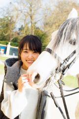6月5日に1st写真集の発売が決まった欅坂46・菅井友香 (撮影:LUCKMAN/講談社)