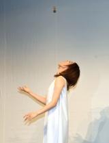 カステラキャッチを披露する大野南香=レプロエンタテインメントの現役女子大生部門「CAMPUS ROOM」お披露目会見 (C)ORICON NewS inc.