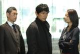 テレビ東京の経済番組からメインキャスト3人をヘッドハント!?(左から)杉本哲太、江口洋介、小池栄子(C)テレビ東京