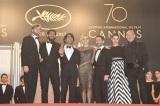 女優賞を受賞した「第70回カンヌ国際映画祭」ではセクシーな衣装で登場