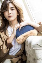 『Misako Uno Half Round Bag Book produced by DRESSCAMP』に登場する宇野実彩子