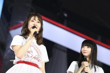 (左から)新チームNIIIキャプテン加藤美南、副キャプテン荻野由佳(C)AKS