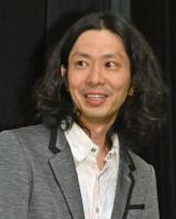 映画『海辺の週刊大衆』初日舞台あいさつに出席した太田勇監督