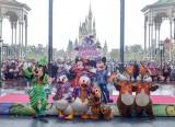 """『東京ディズニーリゾート35周年""""Happiest Celebration!""""』が開幕。ディズニーの仲間たちも祝福(C)Disney"""