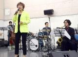 『船上のカナリアは陽気な不協和音』のリハーサルに参加した小林幸子&三宅裕司 (C)ORICON NewS inc.