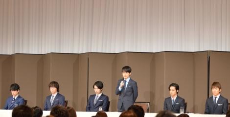 安田章大を除いたメンバー6人で会見を行った関ジャニ∞ (C)ORICON NewS inc.