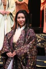 舞台『華 〜女達よ、散り際までも美しく〜』に出演した河西智美