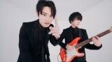 SKY-HIが高校の先輩・斎藤宏介(UNISON SQUARE GARDEN)と共演