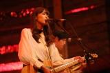 4月28日放送、『Uta-Tube』ゲストは緑黄色社会(長屋晴子)(C)NHK