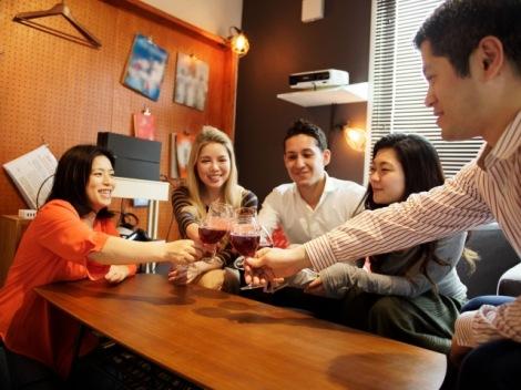 外国人とのコミュニケーションがとりやすくなるコツとは?(画像はイメージ)
