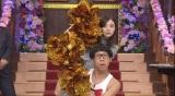 30日放送の日本テレビ系バラエティー番組『しゃべくり007』に出演する乃木坂46・白石麻衣 ひょっこりはんとコラボ (C)日本テレビ