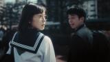 赤十字の動画『ミラクルヒーローズ』に出演する加藤小夏(左)
