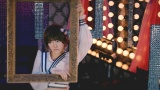 岡田奈々=AKB48の52枚目シングル「Teacher Teacher」MVより(C)AKS/キングレコード