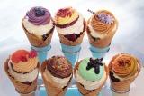 舞浜イクスピアリ店限定で販売される『カップケーキ・ソフトクリーム』