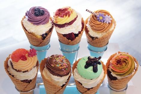 サムネイル 舞浜イクスピアリ店限定で販売される『カップケーキ・ソフトクリーム』