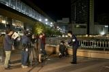 仙台駅前で行われた撮影の模様(C)2018 映画「アイネクライネナハトムジーク」製作委員会