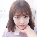 あごのせ動画に挑戦した松村沙友理【『乃木撮』公式ツイッターより】