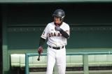 5月6日放送、『ビートたけしのスポーツ大将2時間SP』の「野球対決」で活躍した元巨人の元木大介(中央)(C)テレビ朝日