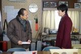 フジテレビ系連続ドラマ『コンフィデンスマンJP』(毎週月曜 後9:00)第6話に出演する(左から)小日向文世、内村光良(C)フジテレビ
