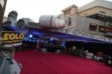 米ロサンゼルス・ハリウッドで現地時間5月10日、映画『ハン・ソロ/スター・ウォーズ・ストーリー』ワールドプレミア開催。レッドカーペットのミレニアム・ファルコン(C)ABImages