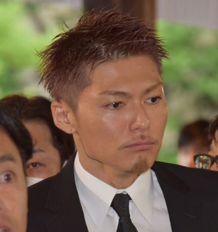 Exile Shokichiの画像 写真 エー チーム社長 小笠原明男さん通夜に2000人参列 元担当 石田純一が若き日を回想 11枚目 Oricon News