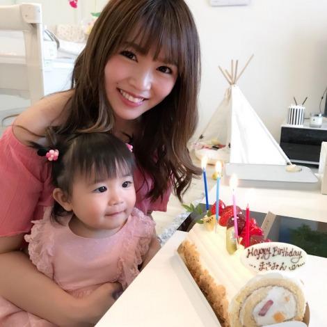 サムネイル ブログで第2子妊娠を発表した河内麻沙美