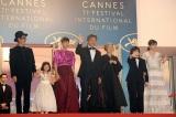 世界から集まった観客やメディアの歓声に笑顔で応えた(C)2018『万引き家族』 製作委員会