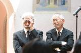 映画監督・高畑勲さんのお別れ会の模様(左から)宮崎駿監督、鈴木敏夫プロデューサー