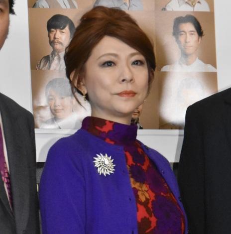 舞台『ハングマン -HANGMEN-』公開ゲネプロ前の囲み取材に出席した秋山奈津子 (C)ORICON NewS inc.