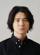 NHK・BSプレミアム『悪魔が来りて笛を吹く』(7月28日放送)で金田一耕助を演じる吉岡秀隆