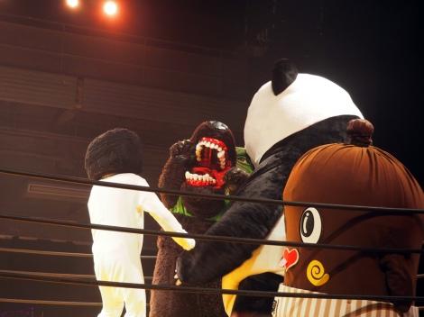 映画『ランペイジ 巨獣大乱闘』(5月18日公開)の試写会でゆるキャラたちが大乱闘 (C)ORICON NewS inc.