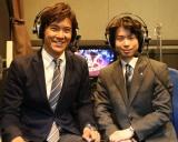 5月20日放送、BSジャパン『プリンスアイスワールド2018 横浜公演』プロフィギュアスケーターの町田樹(右)が解説も担当。左はテレビ東京アナウンサーの板垣龍佑(C)BSジャパン