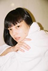 書籍『KOZUE 2017-2018』を発売する秋元梢 photo DASOM HAN