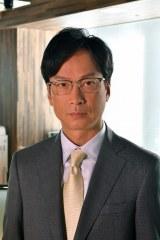 樫村の元同期で企業コンサルタントに転身した宮内亮役の椎名桔平(C)テレビ東京