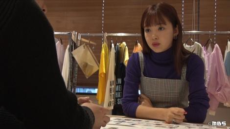 20日放送のMBS・TBS系『情熱大陸』自身のブランド『NIKORUN』の打ち合わせをする藤田ニコル (C)MBS