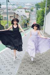 『JJ』モデルデビューを果たした欅坂46・土生瑞穂(左)と乃木坂46・樋口日奈