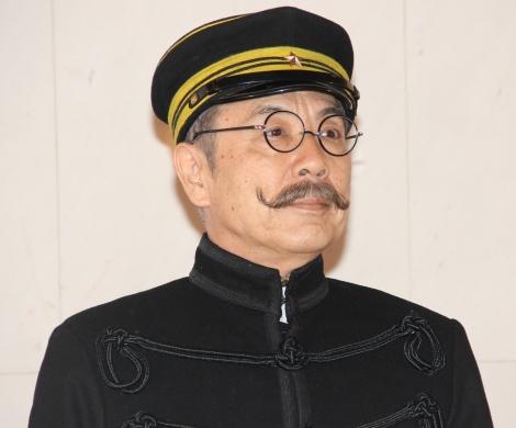 映画『ソローキンの見た桜』製作発表会見に出席したイッセー尾形