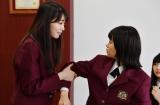 22日放送のTBS系連続ドラマ『花のち晴れ〜花男 Next Season〜』第6話(左から)飯豊まりえ、杉咲花 (C)TBS
