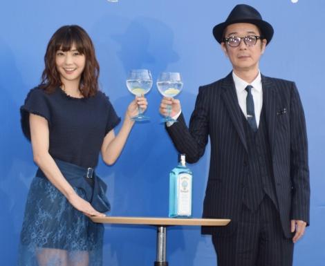 期間限定Bar『PRIME MOMENT Bar』のオープン記念会見に出席した(左から)倉科カナ 、リリー・フランキー (C)ORICON NewS inc.