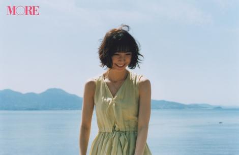 サムネイル 『MORE』7月号で専属モデルを卒業する篠田麻里子 撮影/戸松愛(C)MORE2018年7月号/集英社