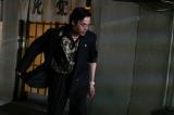 中村倫也=映画『孤狼の血』場面写真(C)2018「孤狼の血」製作委員会