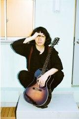 7月スタートの日本テレビ系連続ドラマ『高嶺の花』に出演する峯田和伸 (C)日本テレビ