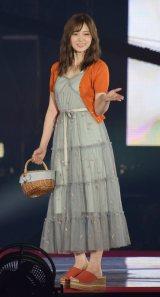 『Rakuten GirlsAward 2018 SPRING/SUMMER』に登場した乃木坂46の白石麻衣 (C)ORICON NewS inc.