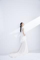 『ゼクシィPremier』SUMMER 2018でウエディングドレス姿を披露した小西真奈美