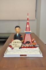 高さは約40センチもあるスペシャルケーキ(C)テレビ朝日